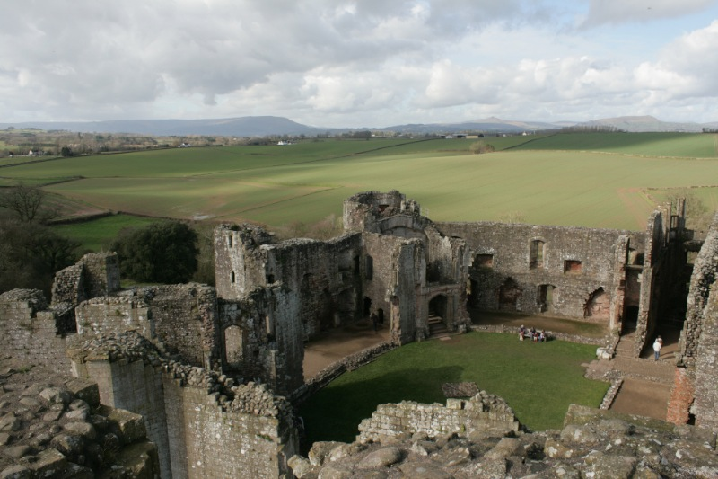 2014-03-01 Raglan Castle 16 Resized